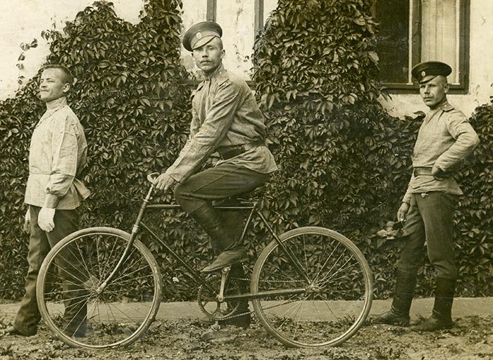 Самокатчики, 1910