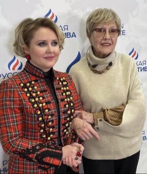 Юлия Серебрянская и Наталья Владимировна Бурмейстер-Чайковская