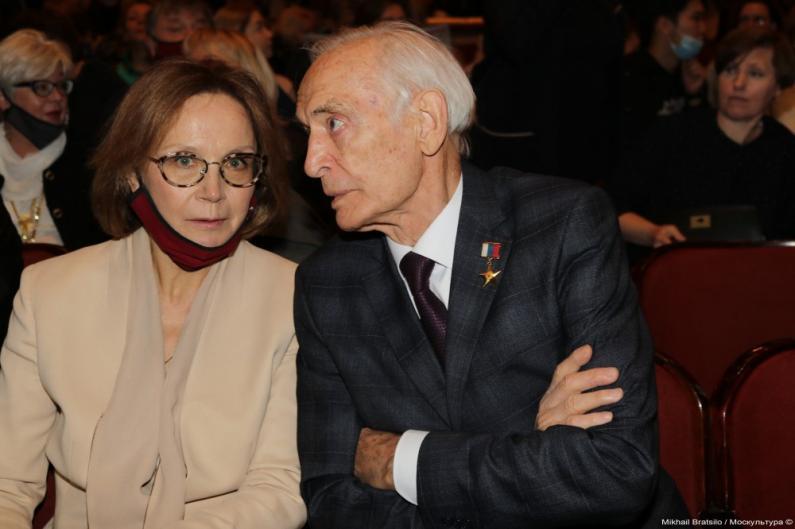 Ирина Купченко, Василий Лановой